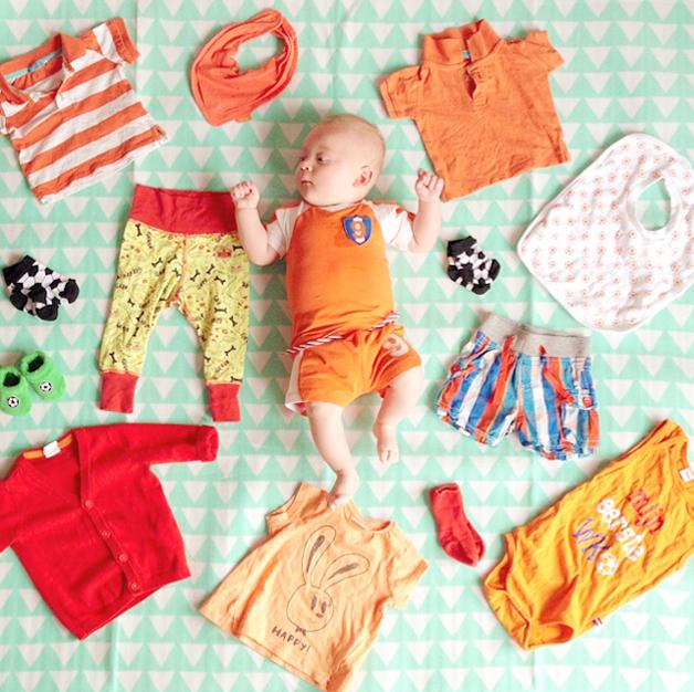Javian's oranje babykleding