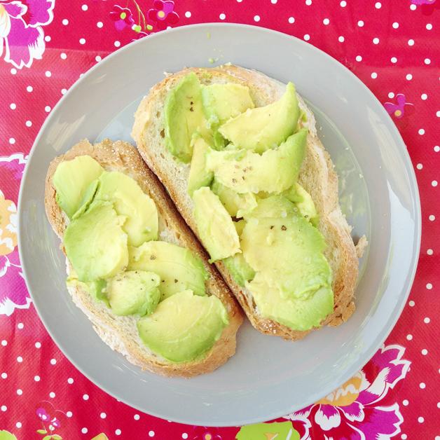 Broodje met avocado