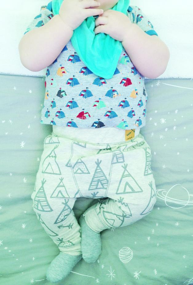 Campingoutfit van baby Javian